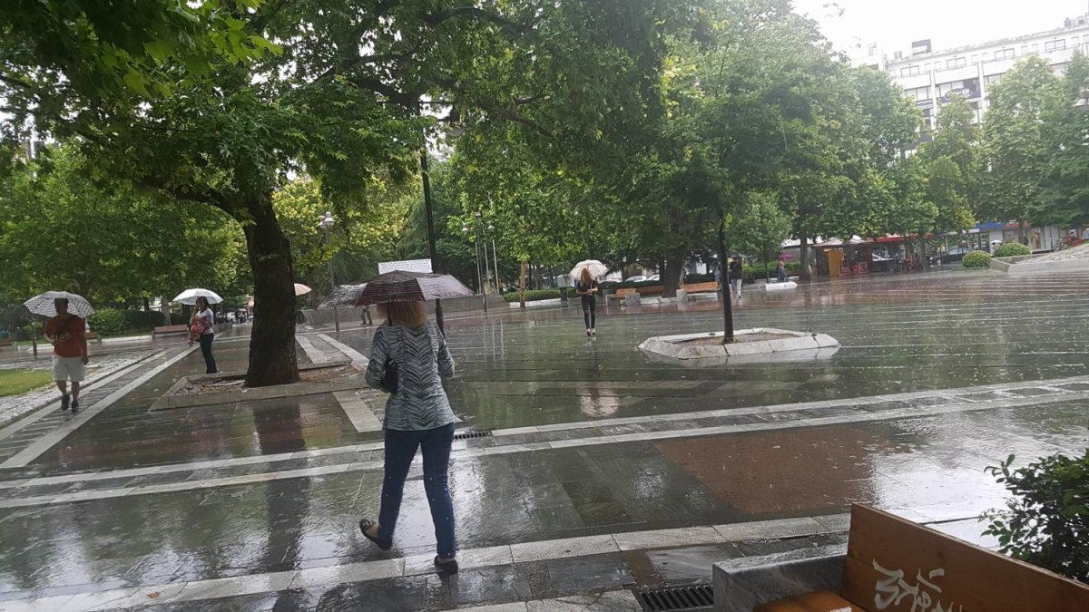 Ισχυρές βροχές και καταιγίδες έρχονται στη Λάρισα