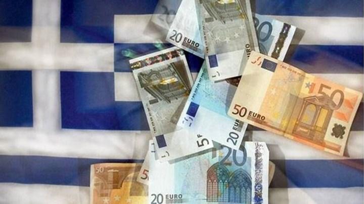 Bloomberg: Γιατί τα τρία προγράμματα που εφαρμόστηκαν στην Ελλάδα δεν έλυσαν το θέμα του χρέους