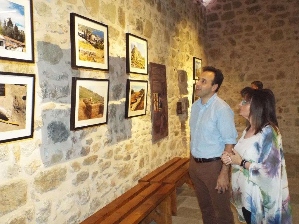 Εκθεση για τα «Ψήγματα Μνήμης» στο Δίδυμο Οθωμανικό Λουτρό Τρικάλων