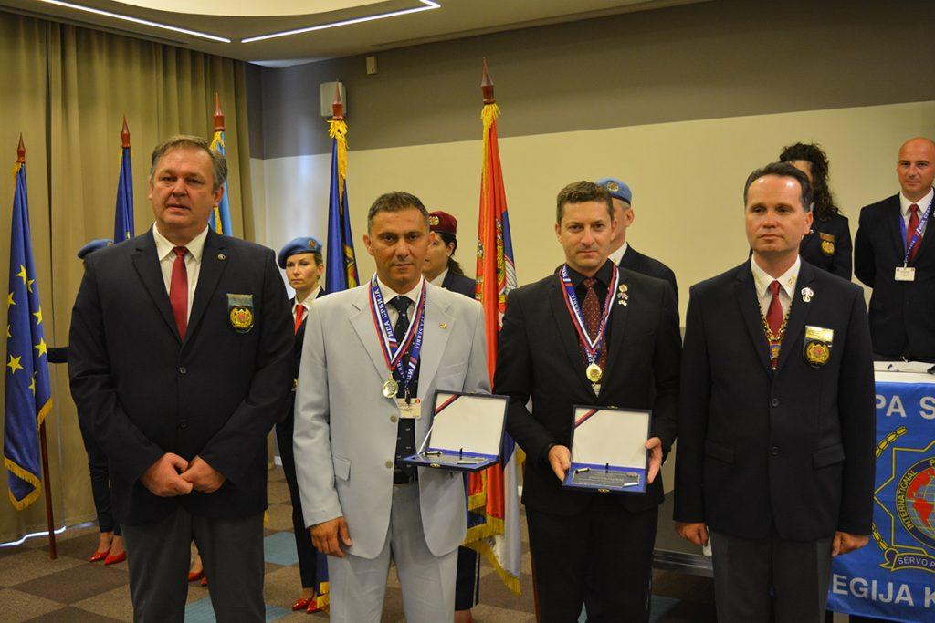 Βράβευση αστυνομικού στη Σερβία