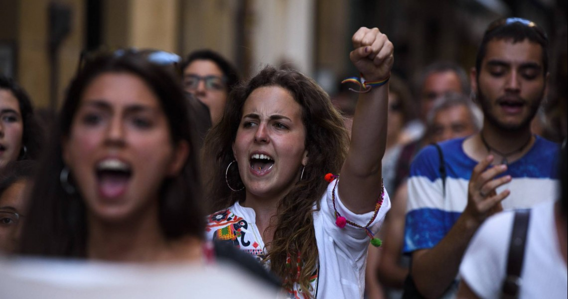 Ξεσηκωμός στην Ισπανία κατά της αποφυλάκισης πέντε βιαστών
