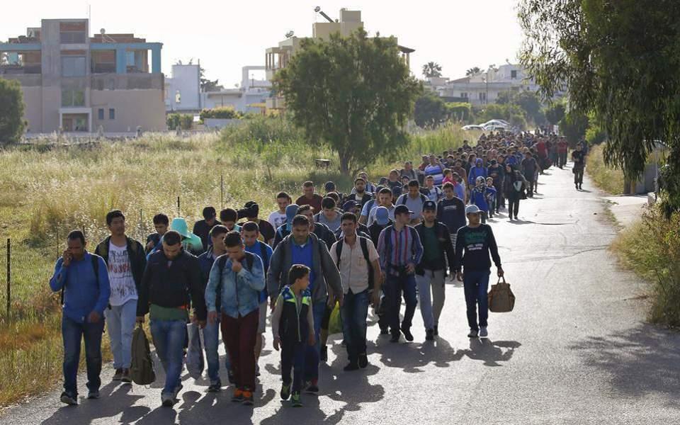 Περισσότεροι από 17.000 μετανάστες και πρόσφυγες στα ελληνικά νησιά
