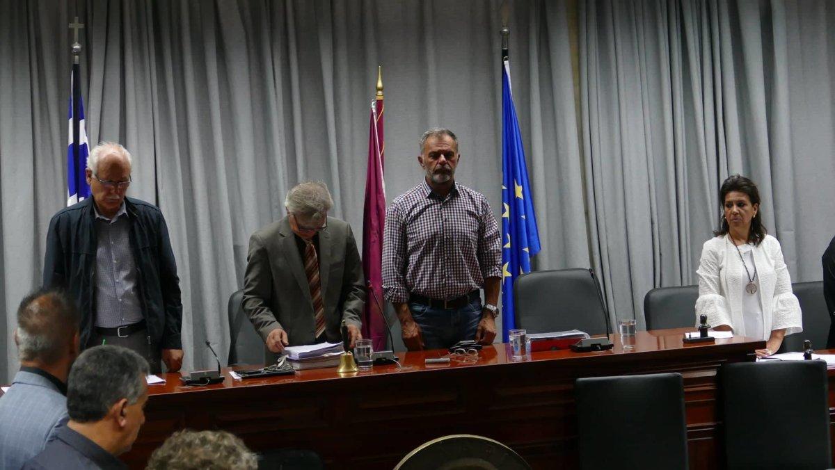 Στη σκιά της μεγάλης απώλειας του Μητροπολίτη Ιγνατίου το Δημοτικό Συμβούλιο (φωτ. & video)