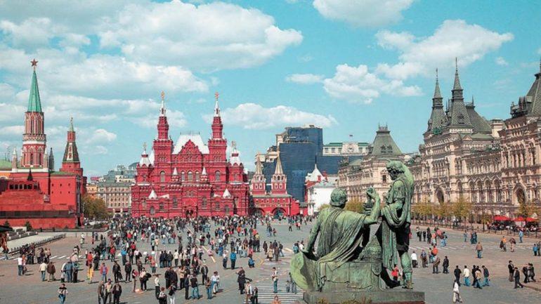 Φίλαθλοι του Μουντιάλ κάνουν ουρές στην Κόκκινη Πλατεία για να δουν τον… Λένιν