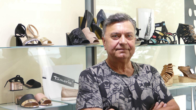 Ο κ. Νίκος Χονδρονάσιος, υπεύθυνος του καταστήματος «Hondronasios»