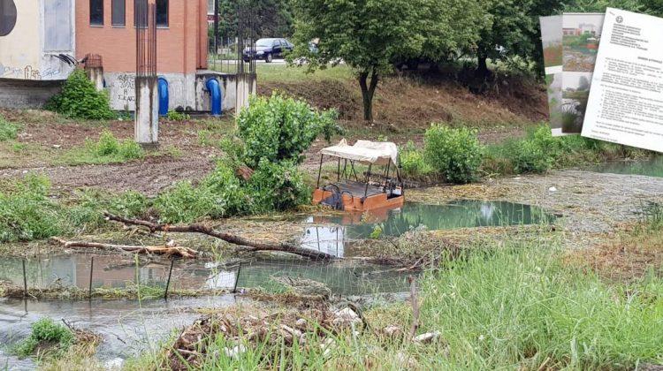 Από βάρκα του Δήμου Τρικκαίων η διαρροή πετρελαίου στο Ληθαίο ποταμό;