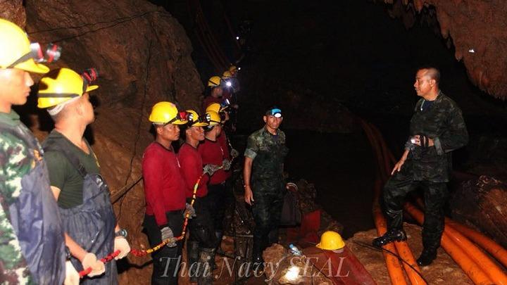 Πέθανε για να σώσει τα εγκλωβισμένα παιδιά σε σπήλαιο της Ταϊλάνδης