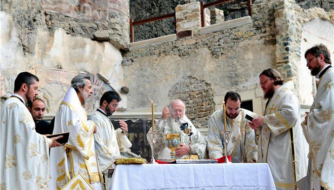 Μπλόκο Ερντογάν στη λειτουργία στο ναό της Παναγίας Σουμελά
