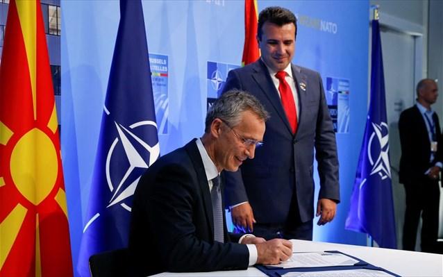 ΝΑΤΟ – ΠΓΔΜ: «Έπεσαν» οι υπογραφές για έναρξη ενταξιακών συνομιλιών