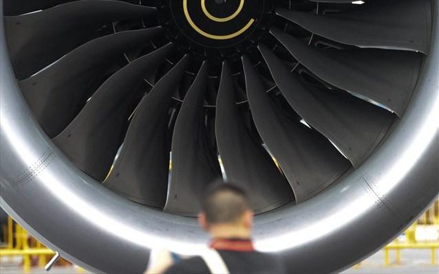Αεροπορική εταιρεία ακυρώνει 330 πτήσεις