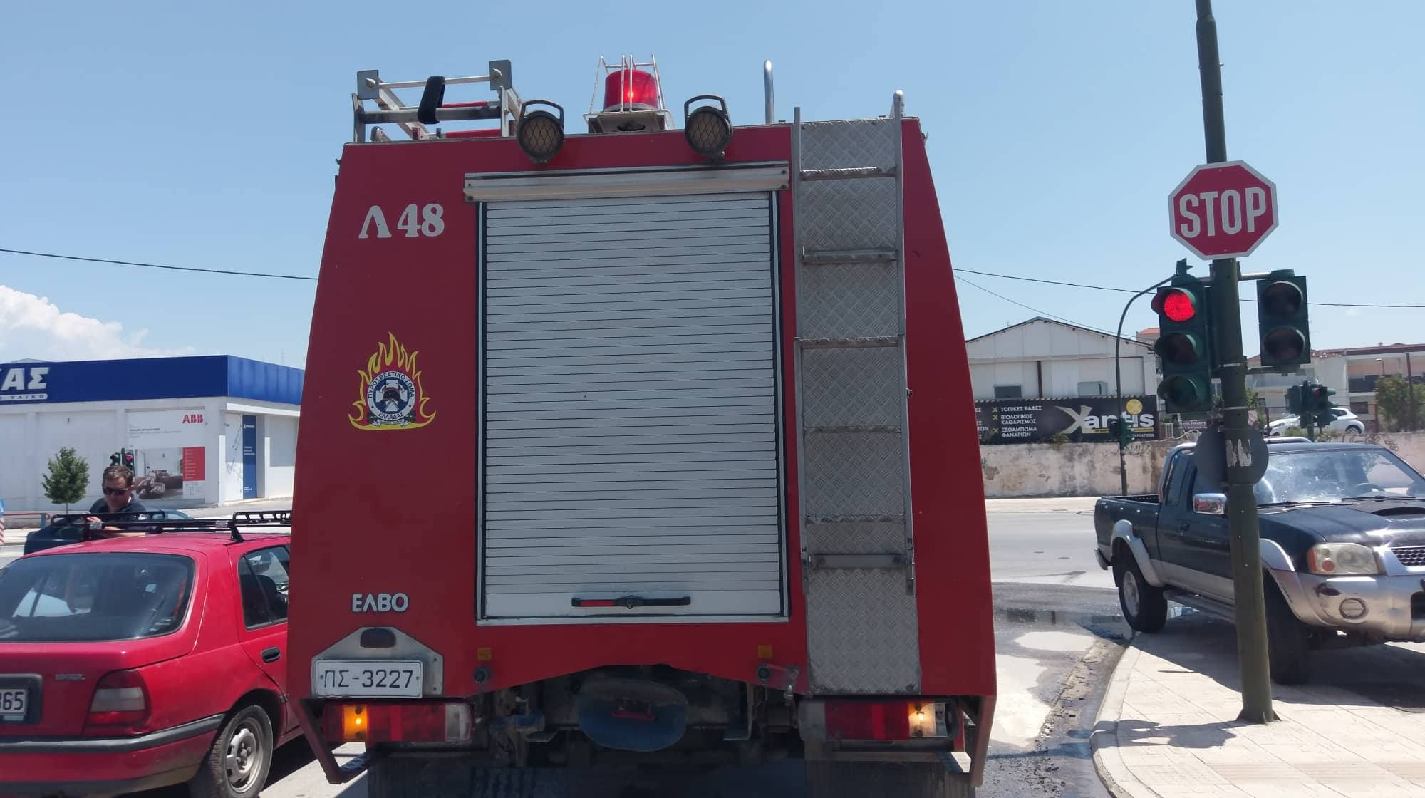 φωτια φορτηγακι λαρισα (6)