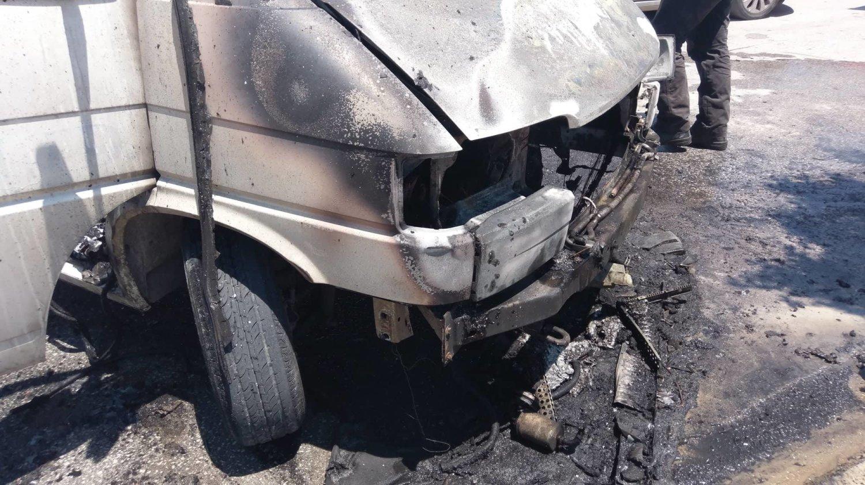 φωτια φορτηγακι λαρισα (8)