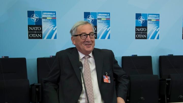 Ο Γιούνκερ παρουσίασε προβλήματα υγείας στη Σύνοδο του ΝΑΤΟ
