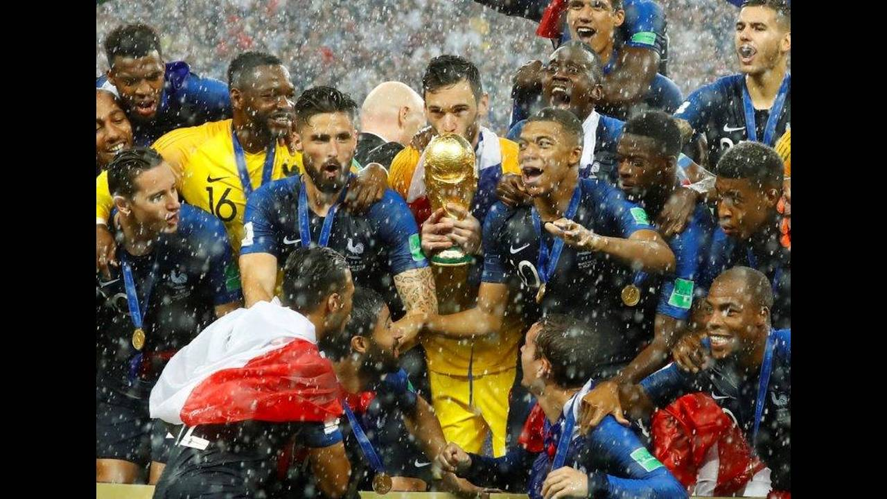 2018-07-15T173553Z_1672191622_RC150664B030_RTRMADP_3_SOCCER-WORLDCUP-FINAL