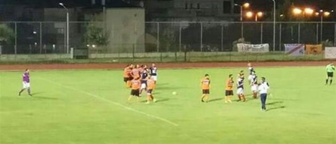 Έδειραν τον διαιτητή σε ποδοσφαιρικό αγώνα δικηγόρων