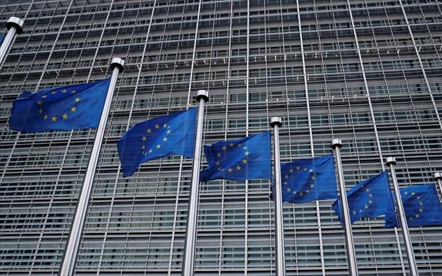 Κομισιόν: Η εμπλοκή της Ρωσίας στις εγχώριες υποθέσεις της Ελλάδας είναι «απαράδεκτη»