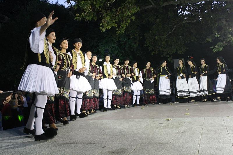 Το 3ο Διεθνές Φεστιβάλ Παραδοσιακών Χορών στη Λάρισα (φωτ.)