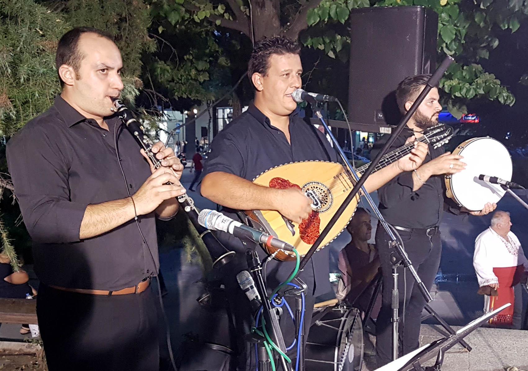Παραδοσιακοί χοροί-ΤSANTOPOULOS (5)