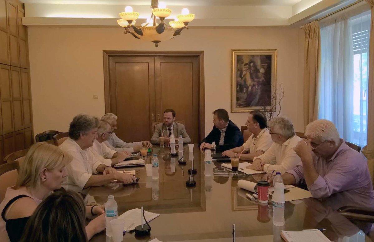 Πρωτοβουλία για υποδομές αγροτικής οδοποιίας και ενέργειας σε δήμους της Λάρισας