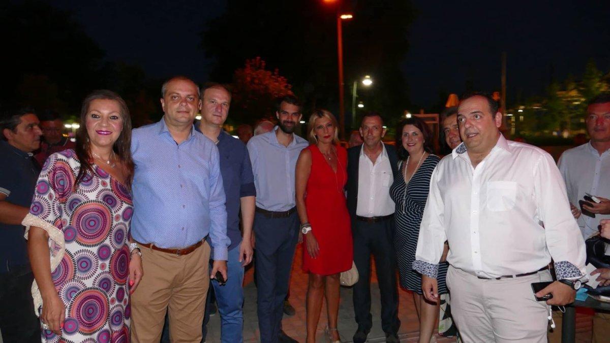 «Γαλάζια» βραδιά επικοινωνίας στη Λάρισα (φωτ.)