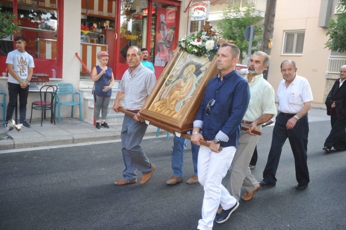 Η λιτάνευση της εικόνας του Πρ. Ηλία στη Λάρισα (φωτ.)