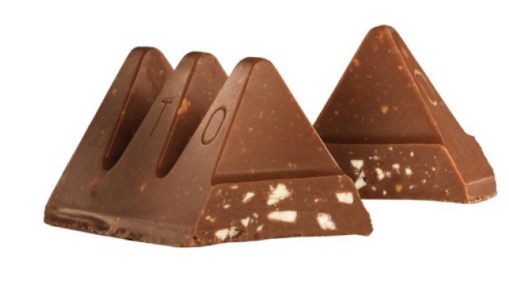 H αγαπημένη σοκολάτα Toblerone επιστρέφει στο κλασικό της σχήμα