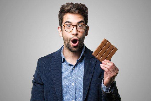 Τα 10 πράγματα που πρέπει να ξέρεις πριν ξαναφάς σοκολάτα