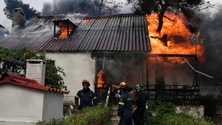 Eθνική τραγωδία από τις πυρκαγιές στην Ανατολική Αττική (συνεχής ενημέρωση)