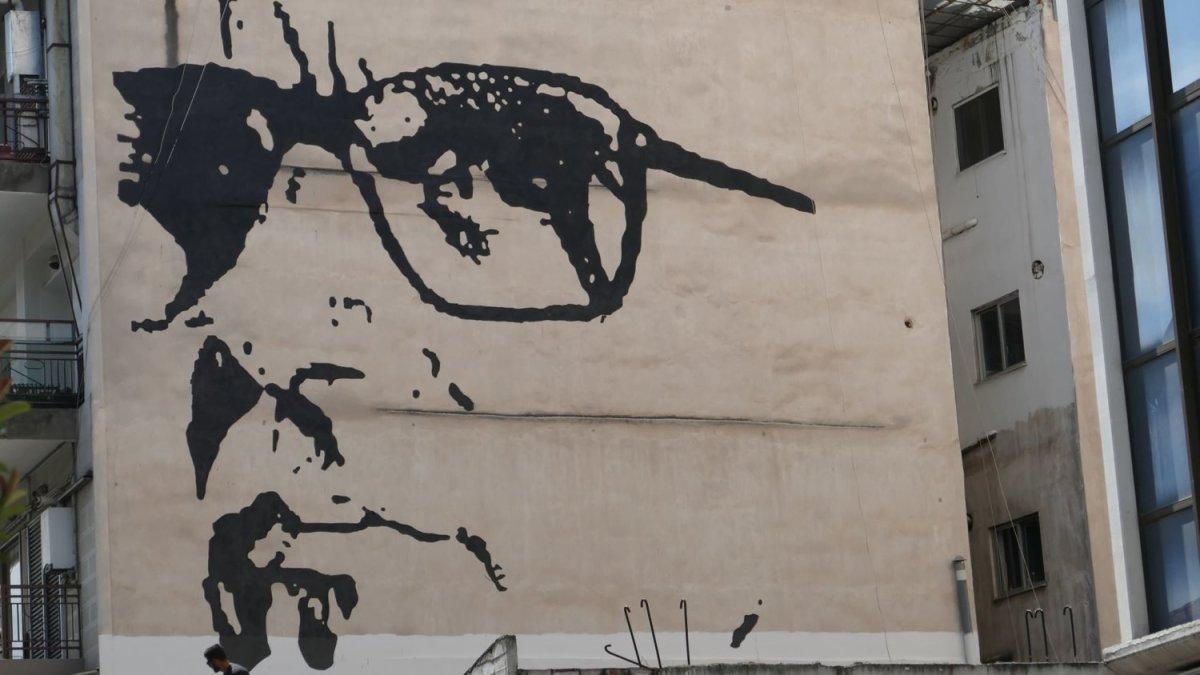 Λάρισα: Ολοκληρώθηκε η απεικόνιση του Ένιο Μορικόνε (φωτ.)