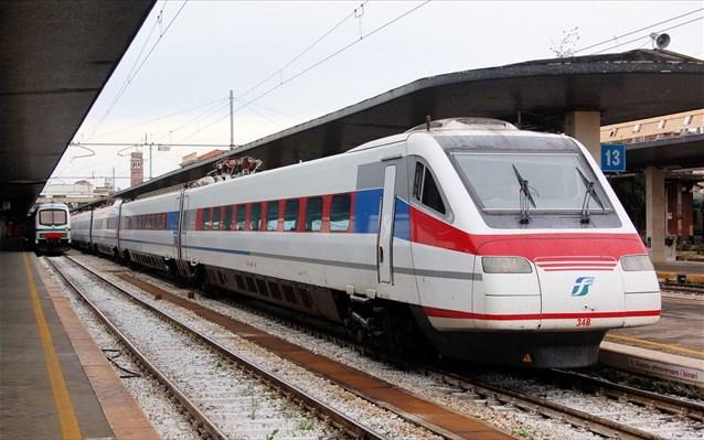 Το «Λευκό Βέλος» στη γραμμή Αθήνα – Θεσσαλονίκη με στάση στη Λάρισα