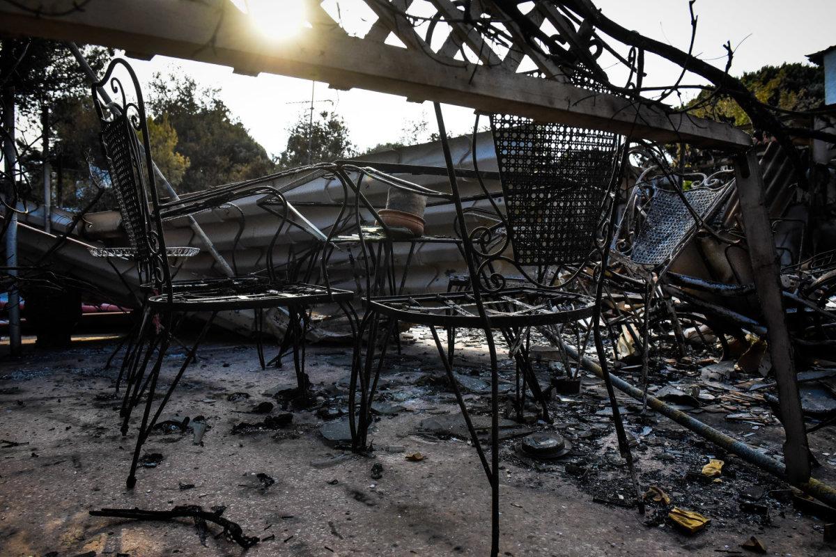 Φωτιά στο Μάτι: 57 νεκροί ταυτοποιήθηκαν, άγνωστος αριθμός αγνοουμένων