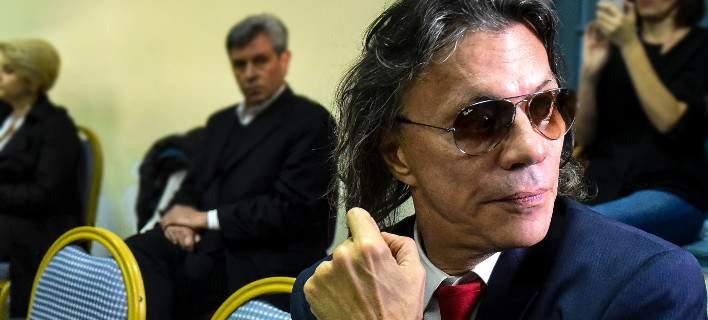 Εγκαταλείπουν τον Ψινάκη και του ζητούν να παραιτηθεί