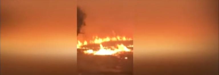 Ανατριχιαστικό βίντεο: Περνούν μέσα από τις φλόγες στο Μάτι