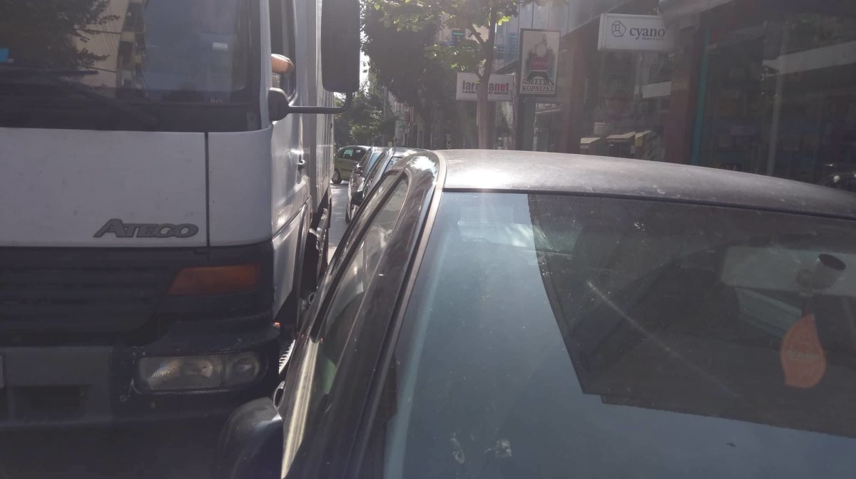 Φράκαρε ξανά φορτηγό στην Παπακυριαζή (φωτ.)