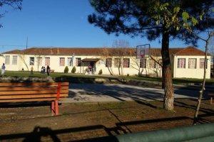 «Γιατί καθυστερεί η κατασκευή της καινούριας σκεπής στο Δημοτικό Σχολείο Καλλιθέας;»