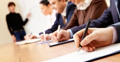 Αιτήσεις για 30.333 θέσεις κοινωφελούς εργασίας σε δήμους και περιφέρειες όλης της χώρας