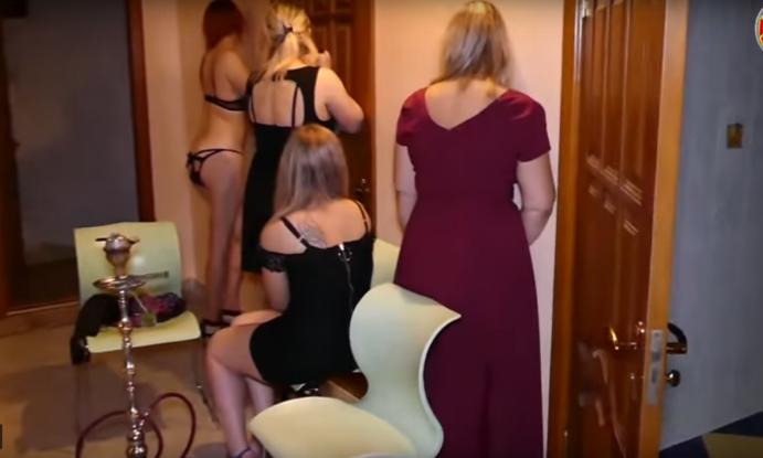 δωρεάν πορνό με Χεντάι στα Αγγλικά