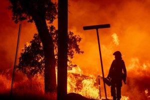 Economist: Χάνεται η μάχη με την κλιματική αλλαγή