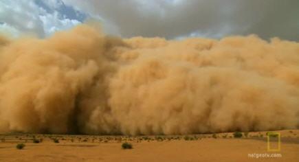 Αμμοθύελλα «καταπίνει» το Φίνιξ των ΗΠΑ