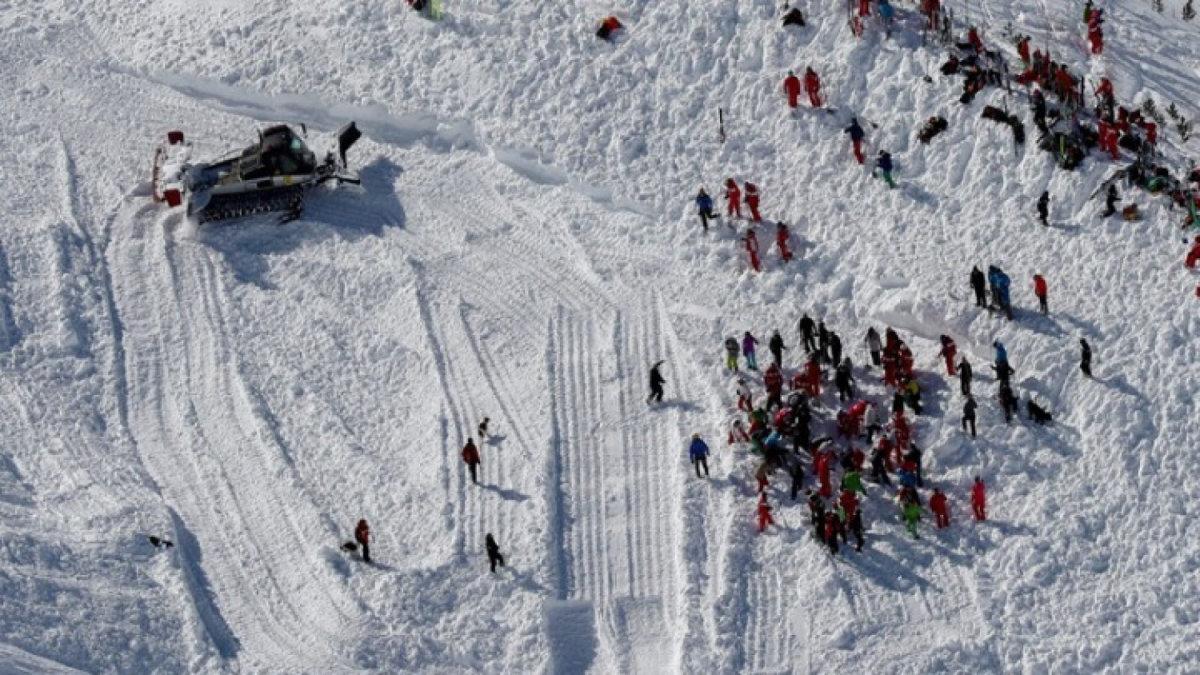 Συνετρίβη μικρό αεροσκάφος στις Άλπεις – Πληροφορίες για 20 νεκρούς