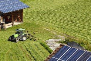 Ο πρώτος Λαρισαίος αγρότης που με εικονική αυτοπαραγωγή ποτίζει τις καλλιέργειες του
