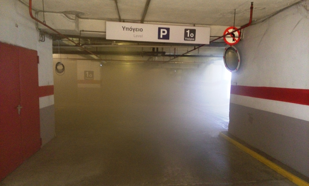 «Λαμπάδιασε» αυτοκίνητο σε υπόγειο πάρκινγκ