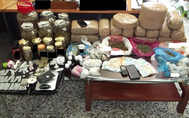 «Σούπερ μάρκετ» ναρκωτικών στο σπίτι 65χρονου