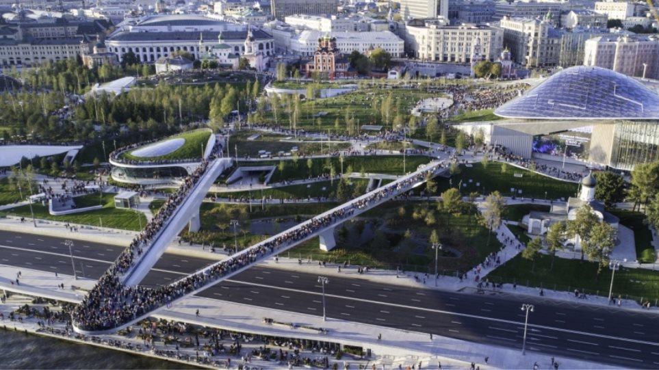 Δημοφιλής τόπος για σεξουαλικές συνευρέσεις το πάρκο δίπλα στο Κρεμλίνο!