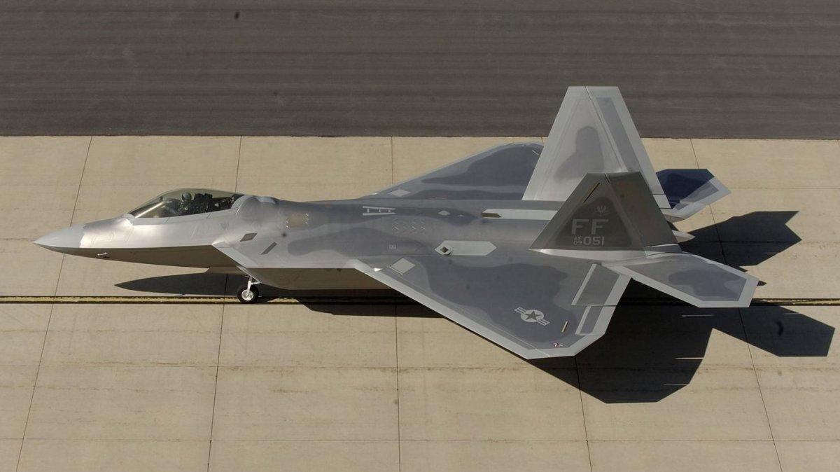 Έφτασαν στην 110 Π.Μ τα F-22 stealth αμερικανικά μαχητικά