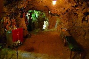 Το Σπήλαιο όπου βρέθηκε η εικόνα της Παναγίας Βυτουμά (φωτ.)