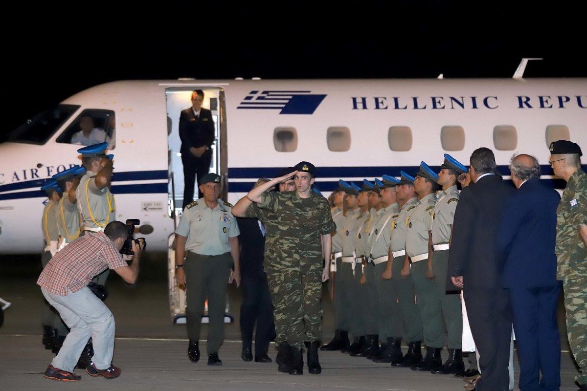 Γερμανικός Τύπος: Κίνηση καλής θέλησης η αποφυλάκιση των Ελλήνων στρατιωτικών