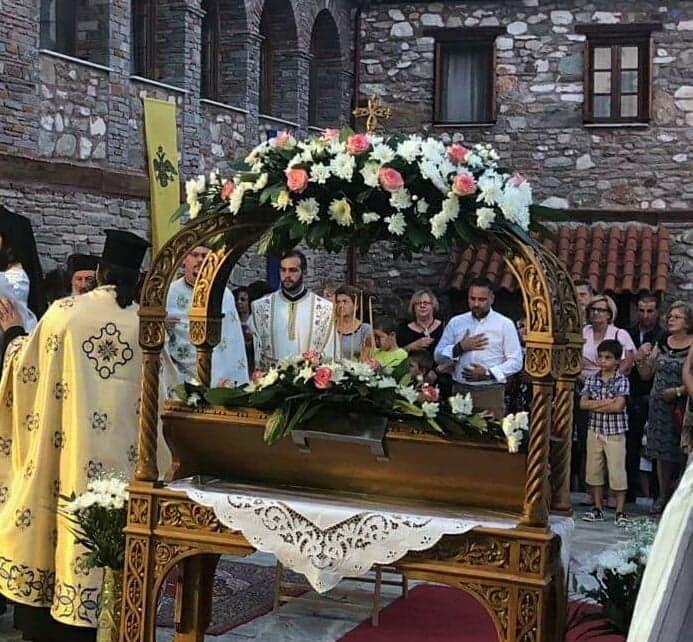 Ο Γιώργος Κατσιαντώνης στον Επιτάφιο της Παναγίας Ολυμπιώτισσας