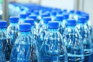 Φθηνότερα τα μπουκάλια από ανακυκλωμένο πλαστικό