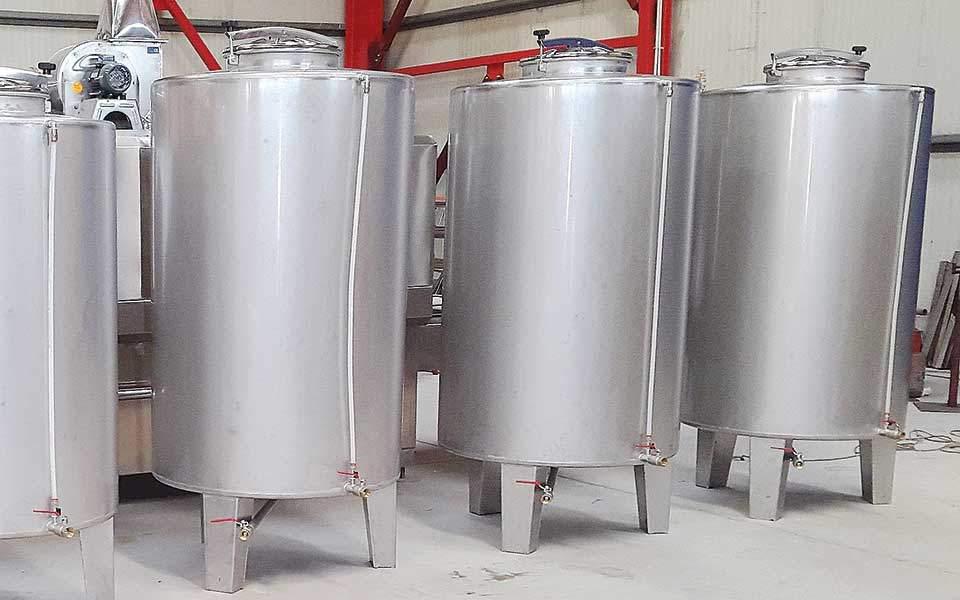 Επιβάλλουν νέο «βαρίδι» 150 εκατ. σε 700 οινοποιεία